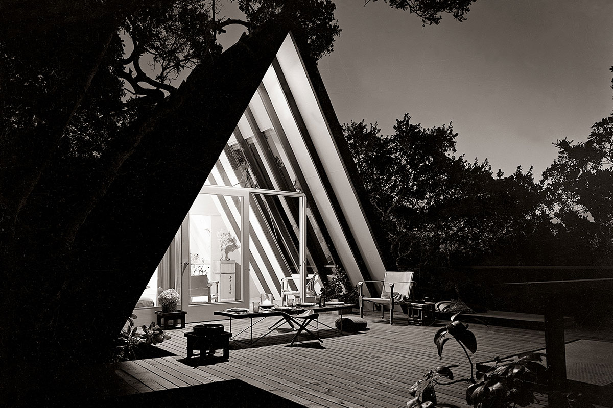 John Campbell's Leisure House (1953) in Mill Valley, California. (All images from A-Frame Second Edition, © 2020 Chad Randl/Photograph by Morley Baer)