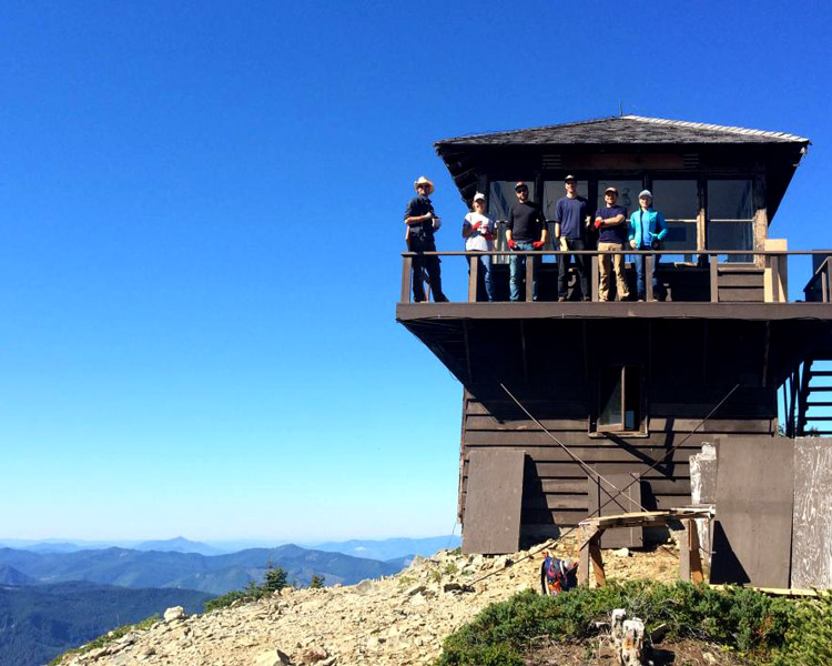 students on fire lookout at Pacific Northwest Field School